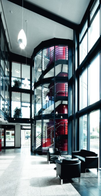 Innovative bird-friendly architecture in a modernized office building in Wandsbek, Germany (ISOLAR ORNILUX ® mikado scandic).