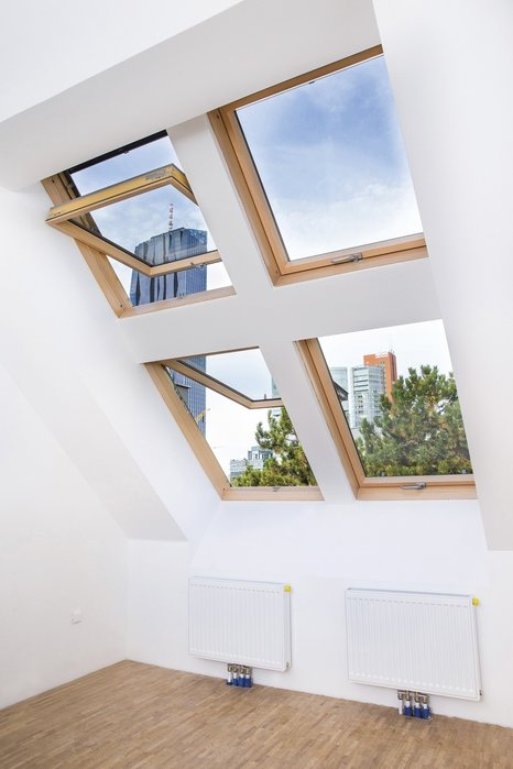 The slim frames of preSelect roof windows enlarge the glass surface and a lot of daylight spread the rooms