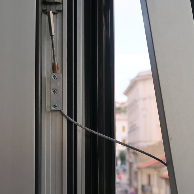 New anti-fall system for windows