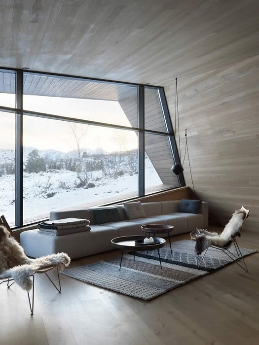 Highest insulation capacities of the Schüco facade and door systems allow for transparency amids the cold region of Norway (Schüco FW 50+.SI).